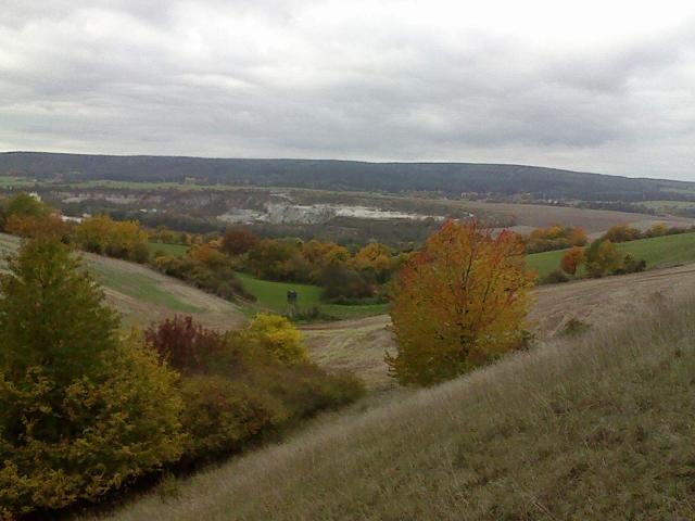 im Herbst: Richtung Nord zum Saale-Orla-Wanderweg