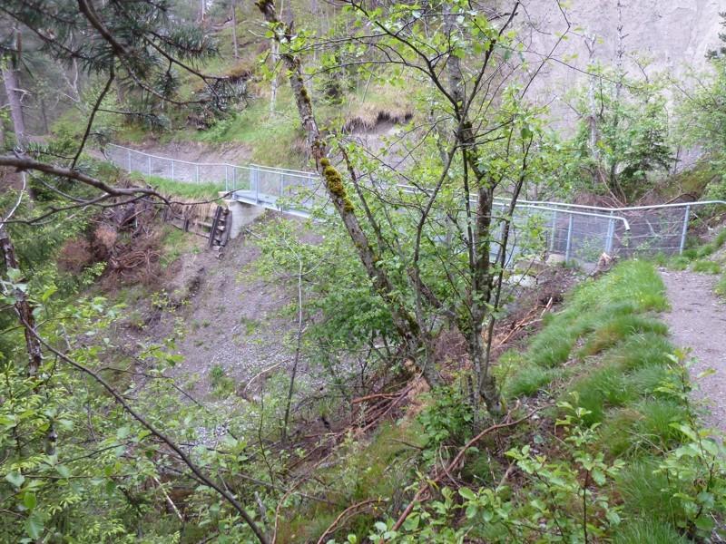 Bitte das Baujahr dieser Brücke in der Nähe von N47° 16.167', E010° 45.048' ermitteln