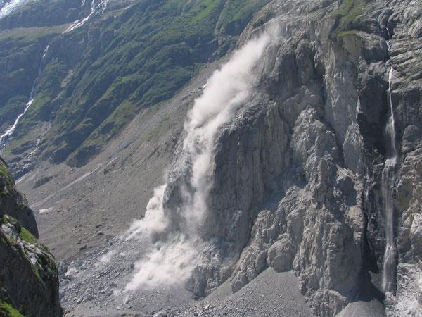 Rock fall at Eiger (WikiPedia)