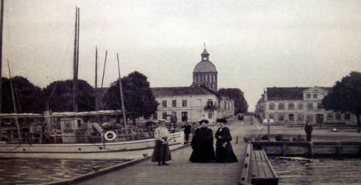 Blick vom Bodden auf den Hafen 1905