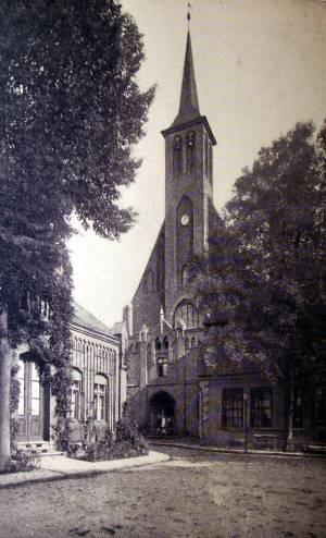 Blick auf die Klosterkirche 1910. Heute ist dort das Bernsteinmuseum.