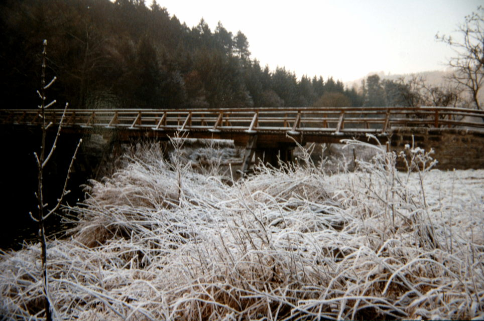 Pfahljochbrücke im Winter in den 90ern