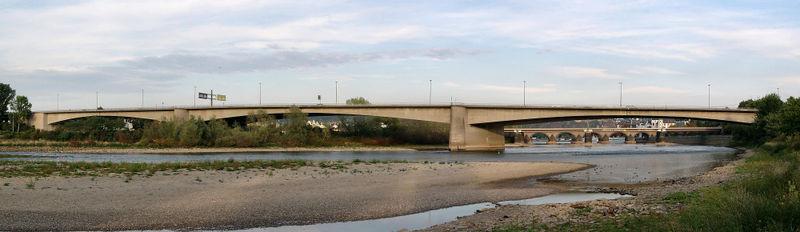 Schiffbrücke