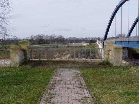 Brückenportal