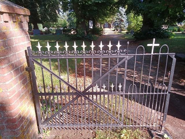 Eingang zum Friedhof Premslin