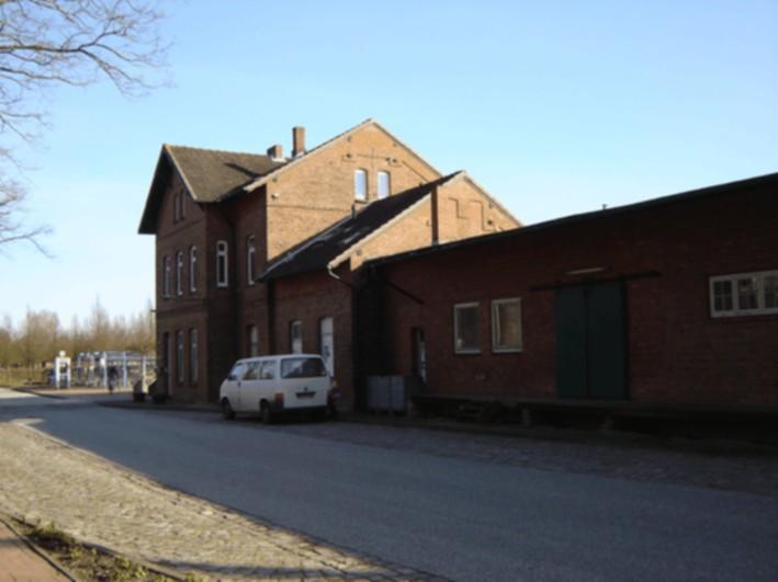 Bahnhof 2008 Straßenseite