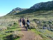 rush hour on Teix - spanish hikers fight for their right of trail usage
