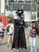 Author : Amsterdam-De_Dam-Figure_1_(Darth_Vader).JPG: Rudolphous_http://creativecommons.org/licenses/by-sa/3.0/deed.en